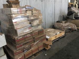 Gran lote de repuestos para Grua link belt (3 pallets)