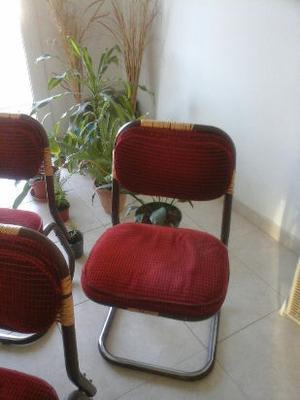liquido 6 hermosas sillas usadas, muy resistentes.