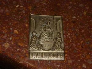 Antigua Chapa Religiosa De Bronce Estampado Del