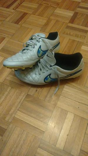 Botines Nike Tiempo