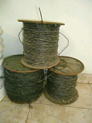 Cable de acero de 1mm ( metros en total).