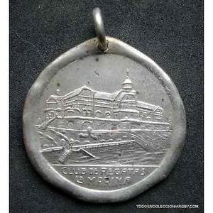 medalla cincuentenario la marina club de regatas