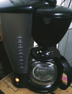 Cafetera Eléctrica (12 pocillos).