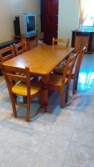 Vendo mesa y 6 sillas de madera