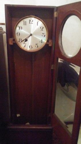 Antiguo Reloj Kienzle De Péndulo. Vástago A Reparar.