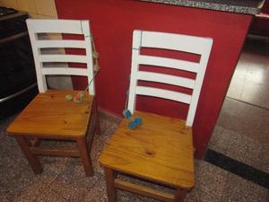 Vendo 4 sillas de madera excelente estado.