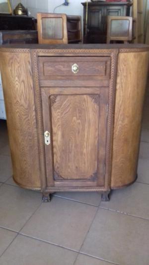 Antiguo mueble estilo chippendale
