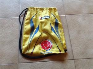 Bolsos de futbol para cargar botines o ropa.