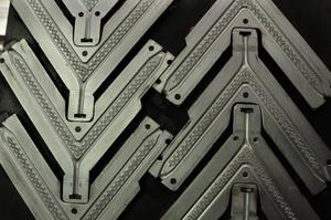 Moldes para fabricación de tiras de ojotas (matricería)
