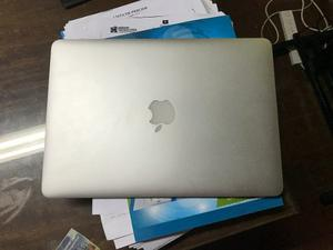 Apple Macbook Air ghz Core I5 4gb  Como Nueva