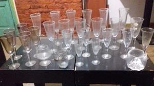 Juego de 24 copas de cristal tallado + accesorios.  $