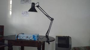 """VENDO LAMPARA DE MESA """" MULTIFUNCION """""""