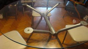 vendo 1 mesa y 4 sillas