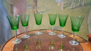 Antiguo juego de copas de cristal tallado
