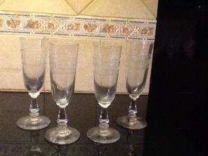 Media docena de copas de cristal talladas a mano posot class for Copas de cristal