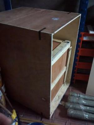 Cajones de madera de fenólico para embalaje o estiba.