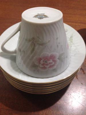 Juego de te de porcelana incompleto