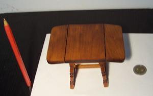 Mesa libro miniatura, escala 1:12, casa de muñecas