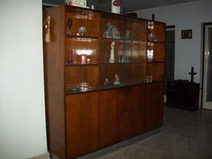 Mueble de madera lustrada en boedo muebles posot class for Mueble separador de ambientes