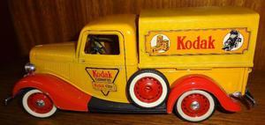 Auto Solido - Ford Roadster - Kodak - Esc 1/19