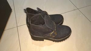 Botas color negro (3)
