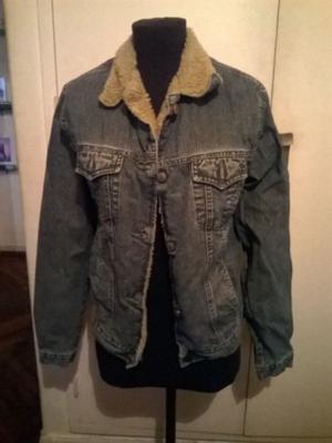 Campera de jeans con corderito talle M