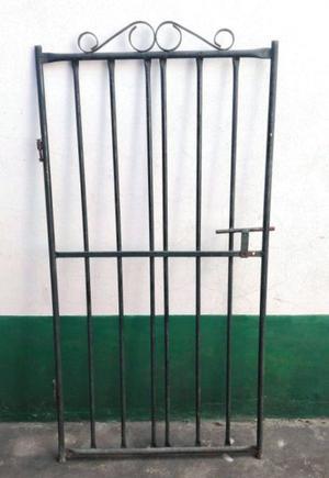 Portón de hierro