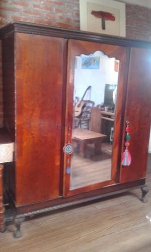 Ropero de 3 puertas estilo Chippendale C/espejo biselado