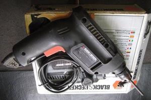 TALADRO BLACK Y DECKER BD mm. con percutor MADE IN