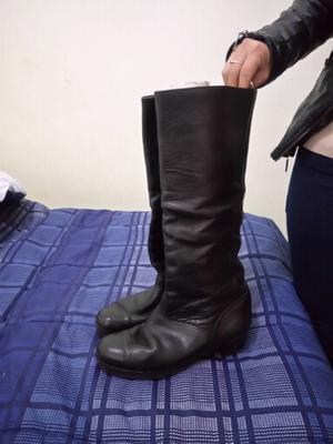 Vendo botas de cuero para hombre