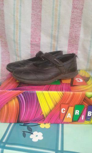 Vendo zapatos de escuela