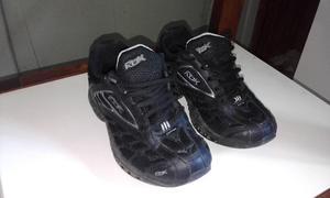 Zapatillas Reebok (tela) negras (muy buen estado)
