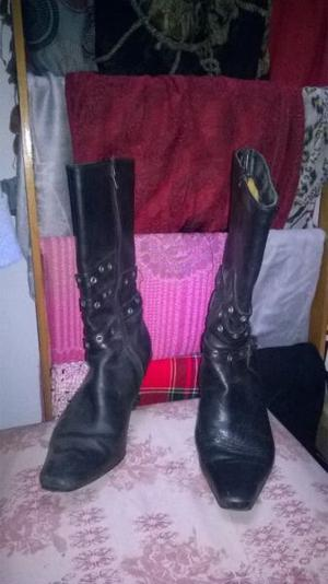botas cuero negras