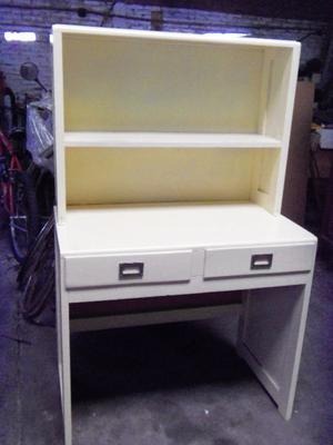 escritorio con alzada usado en buen estado