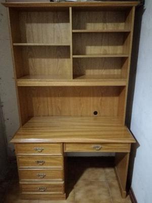 vendo escritorio de madera