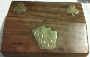 Caja para cartas made in india, con adornos en bronce