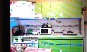 Mesada, bajo-mesada, alacenas y cocina