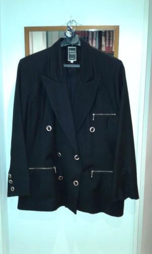 Vendo Saco Blazer de cheviot de pura lana color negro