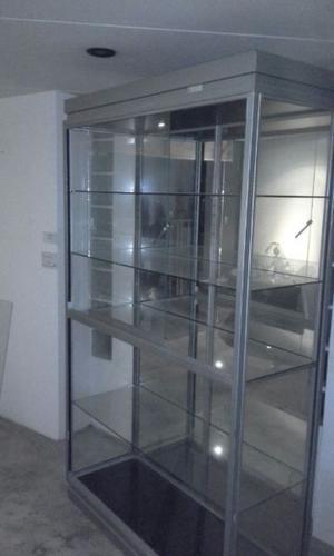 Vitrina De Vidrio Y Aluminio Espejada