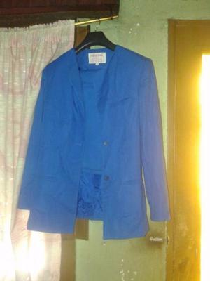 saco y pollera color azul alectrico