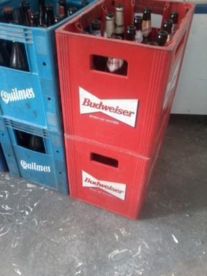 Envases de Gaseosa y Cerveza. Cajones plásticos