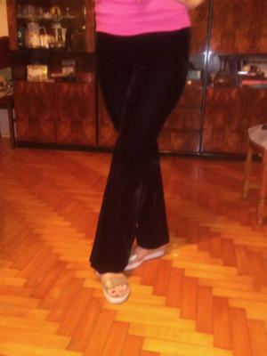 Pantalon nuevo talle 3 de gamuza