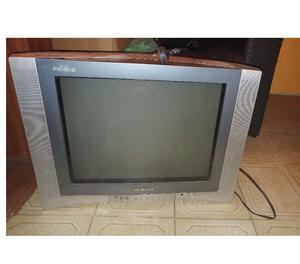 Tv Ken Brown 21' Pantalla Plana con control remoto. $ 400 LA