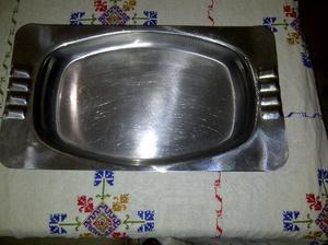 fuente de acero inoxidable