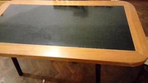Mesa de madera guatambu