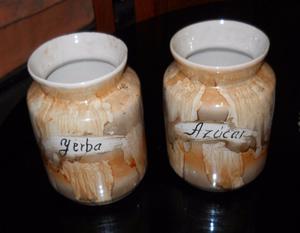 2 frascos antiguos de yerba y azucar marmolados (años 50)