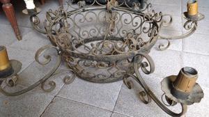 Antigua araña estilo colonial en hierro