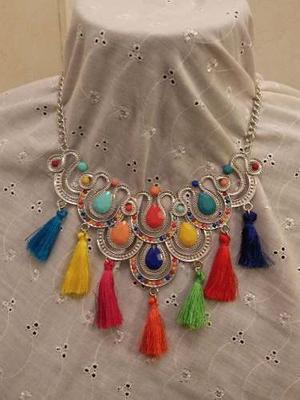 Gargantilla Con Flecos De Colores