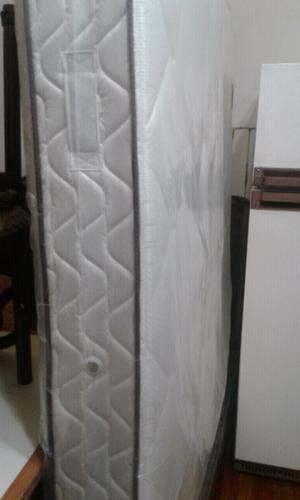 Líquido colchón 2 plazas casi nuevo