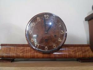 Reloj Carrillon Junghans a pendulo y con su llave $